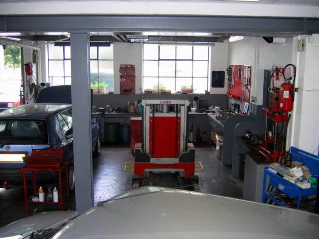 Garage du bretzel r paration toutes marques munster for Amenager un garage en atelier